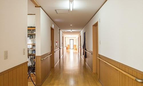 居室前の廊下