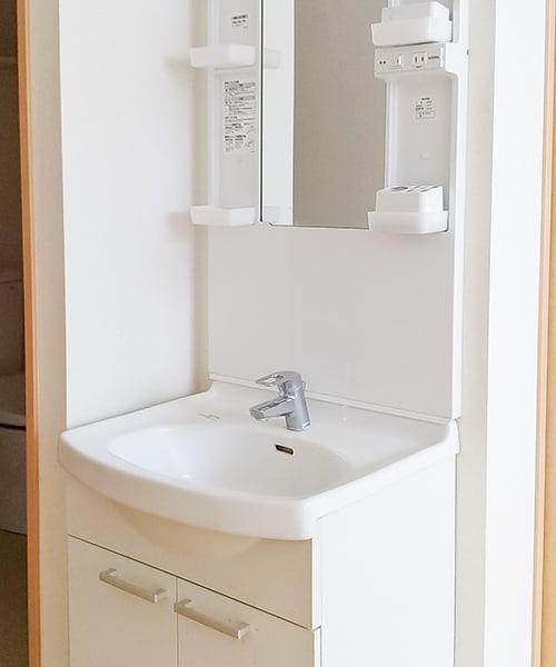 白い洗面台